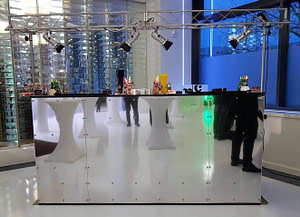 mobile Cocktailbar Elemente verspiegelt und für bis zu 3 Barkeeper geeignet