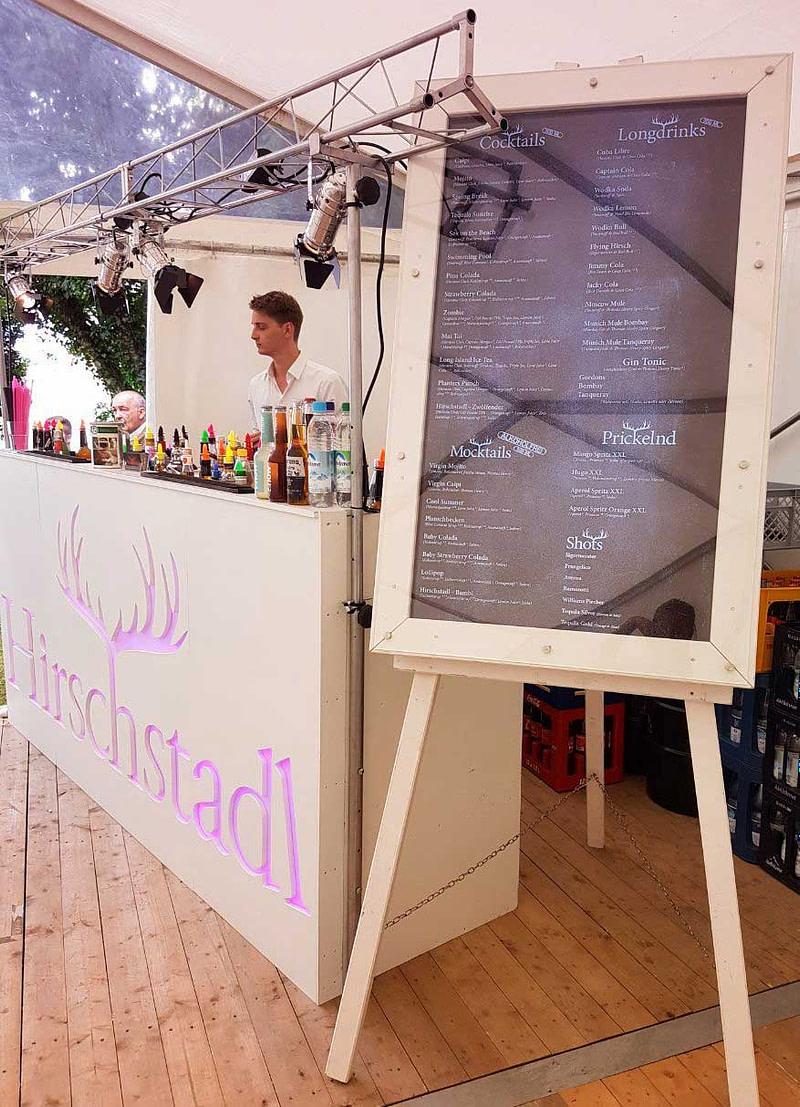 Coktailbar für Hochzeit mit mobilen Barkeepern mieten und Servicepersonal